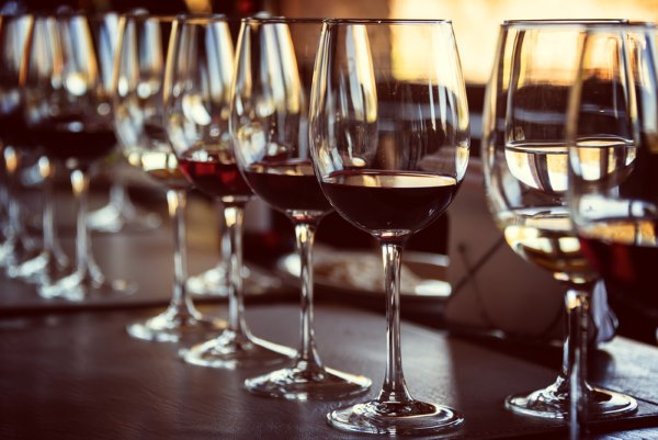 wine tasting etiquette glasses